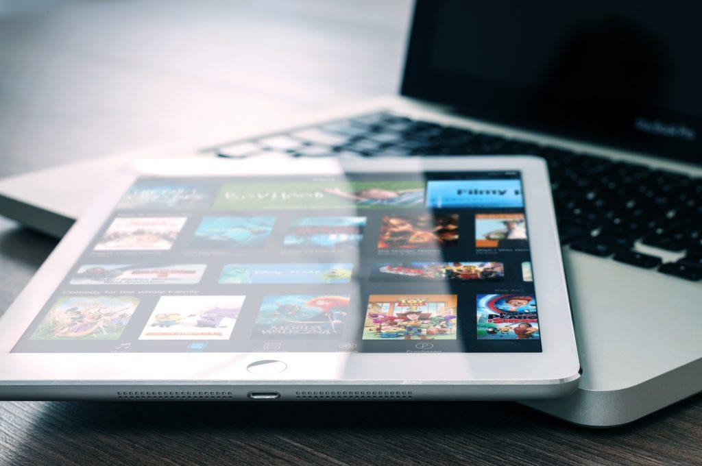Black Mirror- DIE TV Serie für Techies und Geeks und…