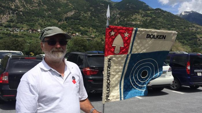 Ulrich Baumgartner, Vereinspräsident der Feldschützen Bolken aus Solothurn, genoss die Walliser Gastfreundschaft am Schützenfest in Raron.