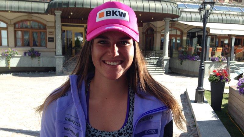 Auch die junge Frau aus Unterbäch ist in Zermatt zum Skitraining.