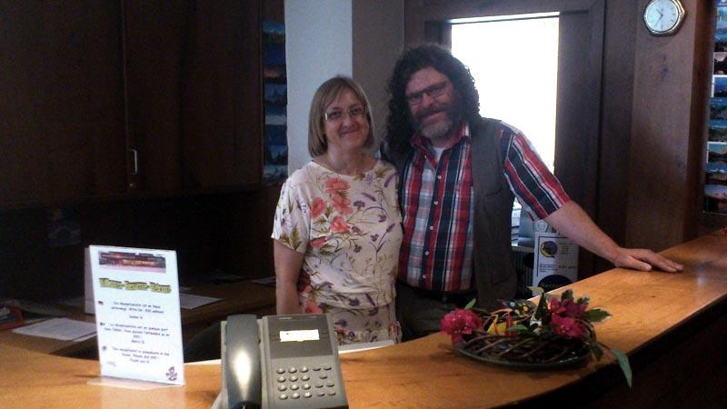 Mark und Josianne Schneider bewirtschaften das Hotel Gornergrat Dorf.