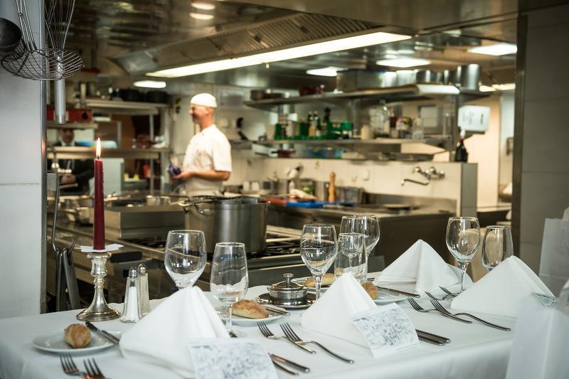'Kitchen Around' ist ein kulinarischer Parcours durch Zermatt und findet jeweils am Freitag statt.