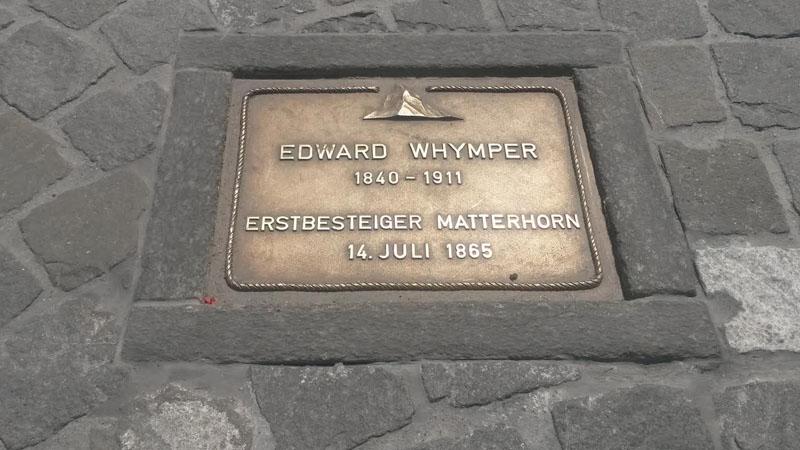 Auch Edward Whymper ist im Walk of Climb in Zermatt verewigt.