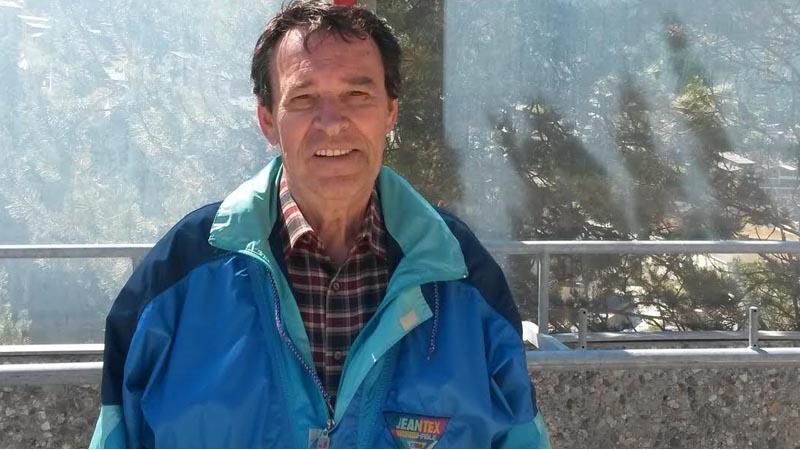 Peter Stein genoss seinen Rundflug mit der Air Zermatt sehr.