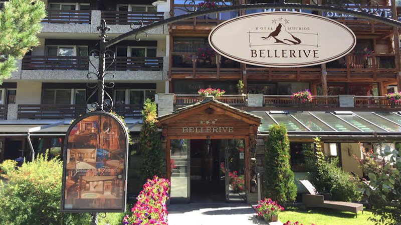 Das Hotel Bellerive Superior lädt zu einer gemütlichen Zeit in Zermatt ein.